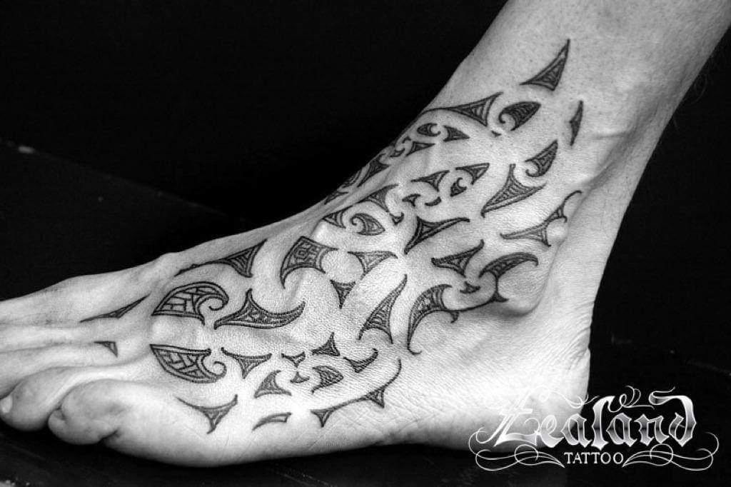 bw-te-moko-foot-and-ankle-tattoo