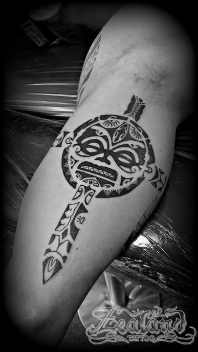 Polynesian tattoo gallery zealand tattoo for Polynesian thigh tattoo